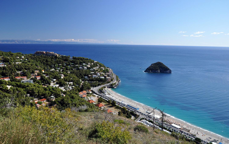 Matrimonio Spiaggia Bergeggi : Le spiagge quot bandiera blu della liguria il di