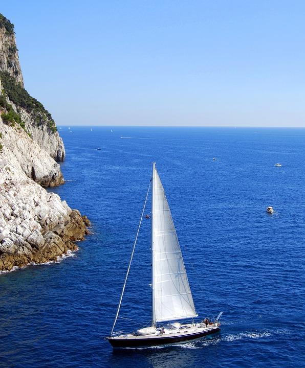 Barca a Vela in Liguria