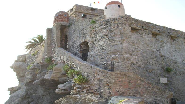 Castello della Dragonara a Camogli