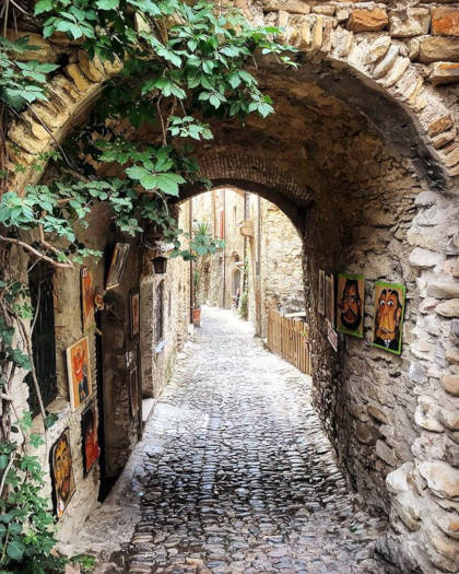 Per le vie di Bussana Vecchia, Liguria