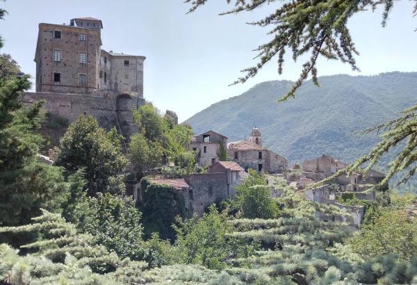 Borgo abbandonato di Balestrino, Liguria